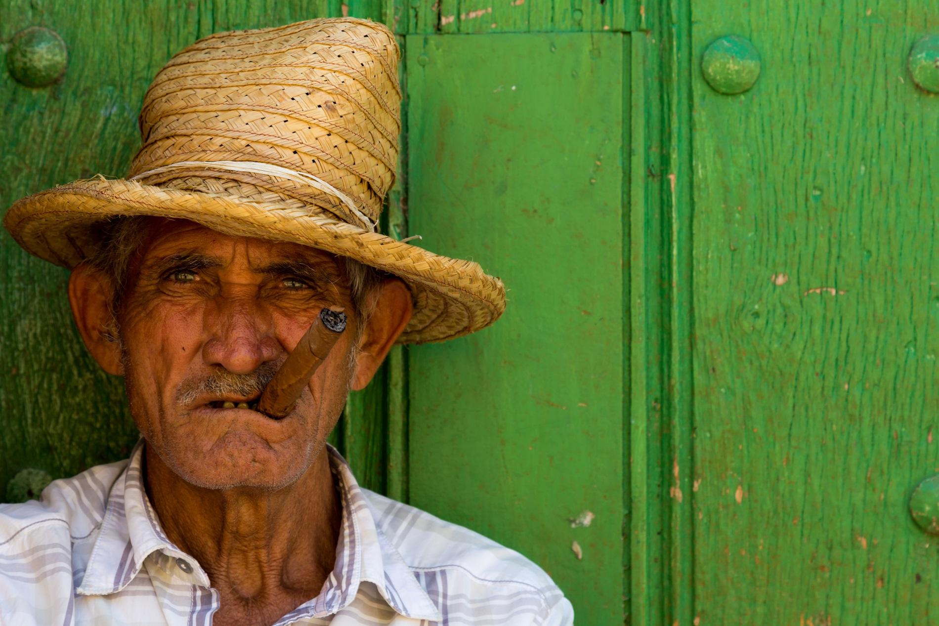 alter Kubaner mit Zigarre