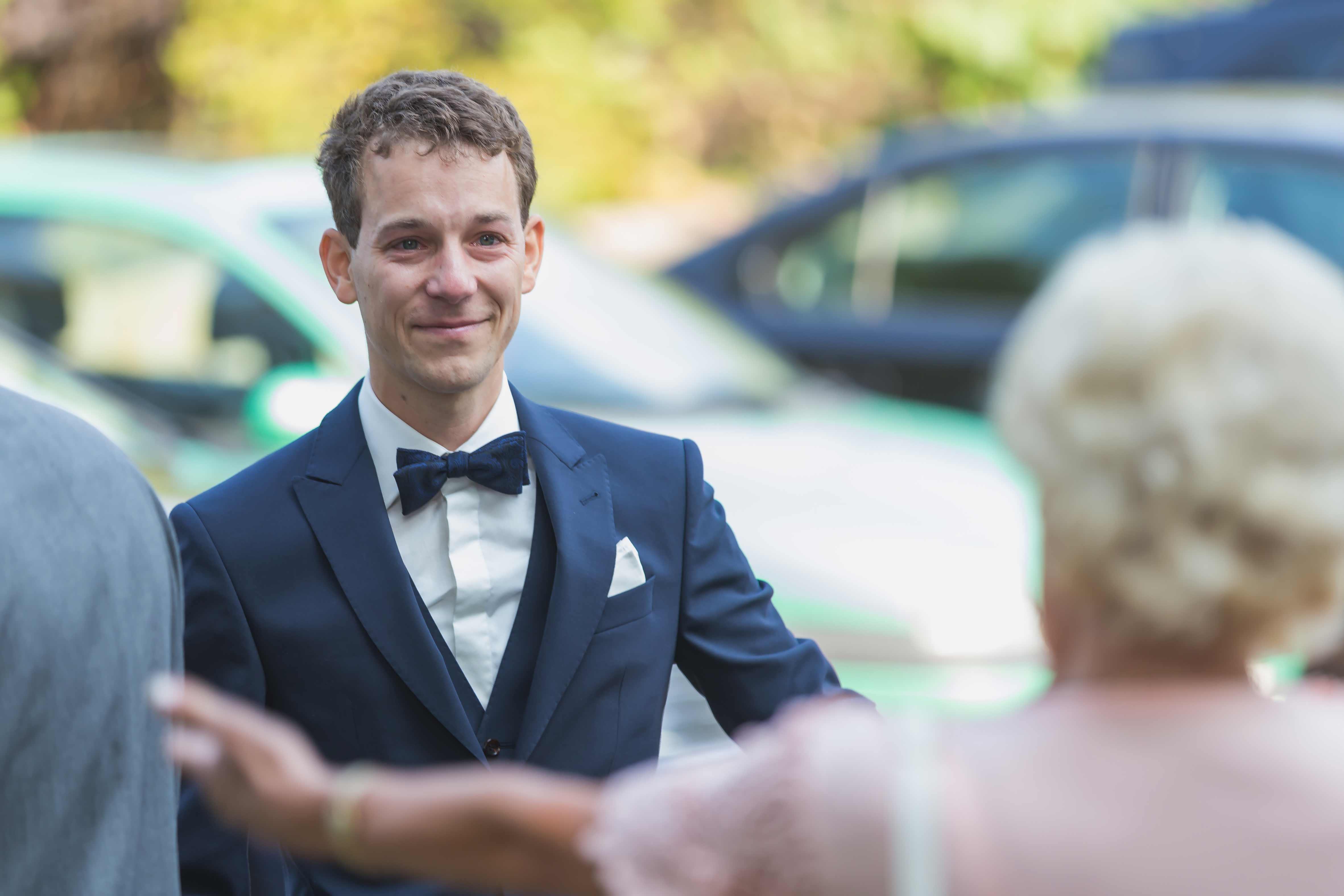 Hochzeit - Bräutigam Freudentränen und Emotionen