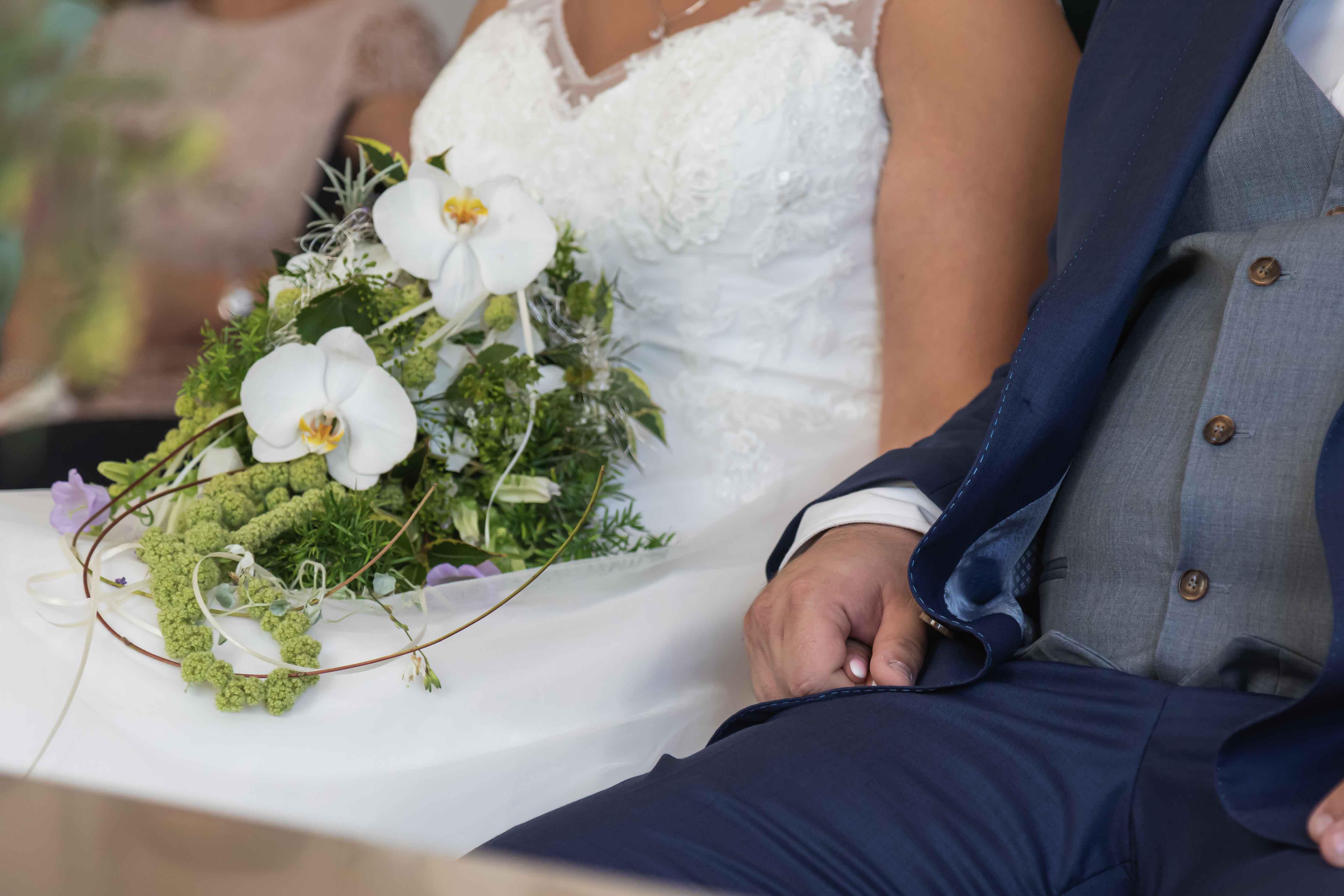 Händschen halten - Hochzeit