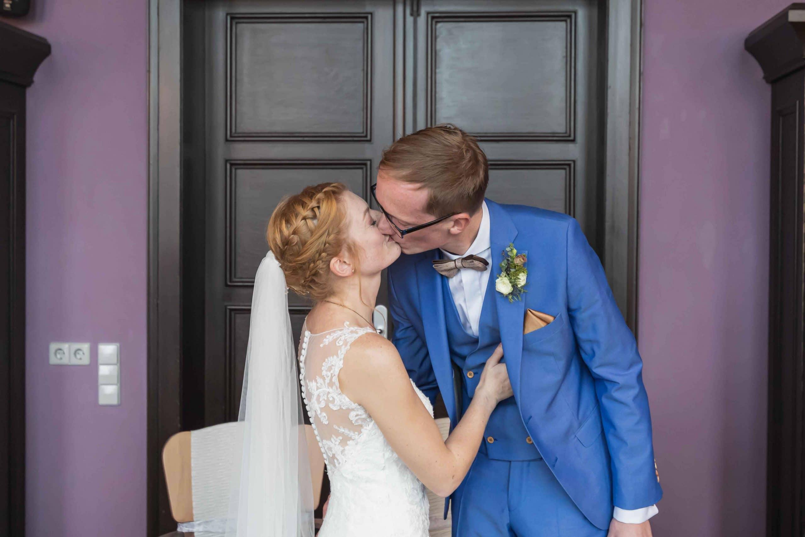 Nancy und Philipp der erste Kuss
