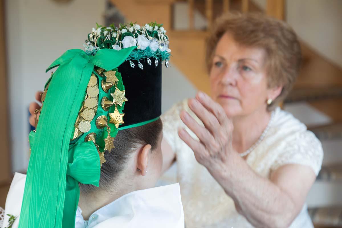 sorbsiche Hochzeit - Ankleide Braut